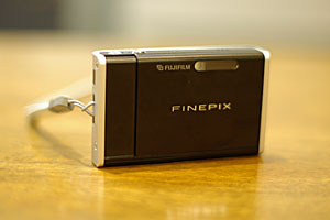 Fuji FinePix Z1正面